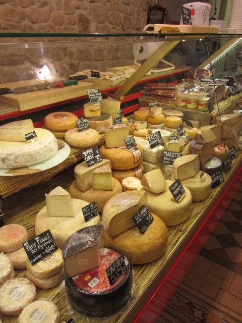 Cheese tasting in Paris